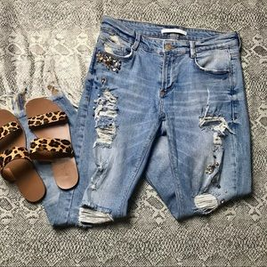Zara Embellished Beaded Distressed Jeans Size 6